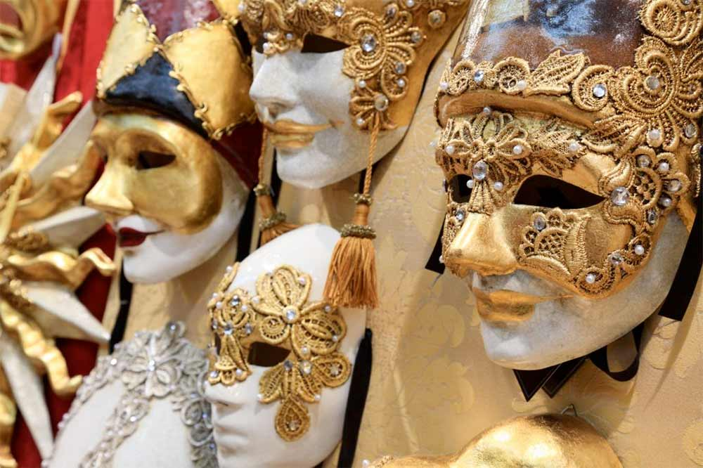 Absolute Italy - Customizing Italian Travel - Mask Making Venice